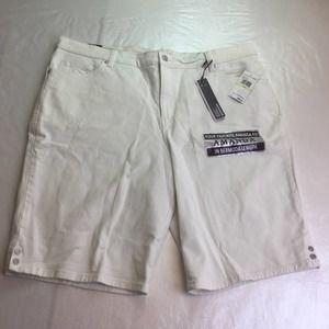 Gloria Vanderbilt Amanda bermuda shorts white 18W